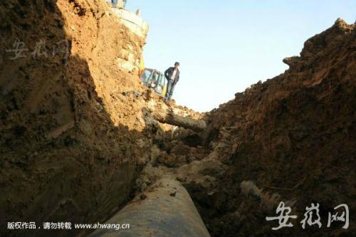 合肥工地土方坍塌一名工人被埋 因伤势过重不幸死亡