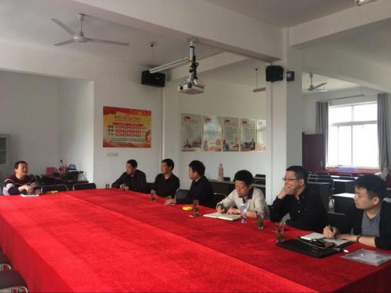 住建委开展在职党员集中到万桂山社区报到工作