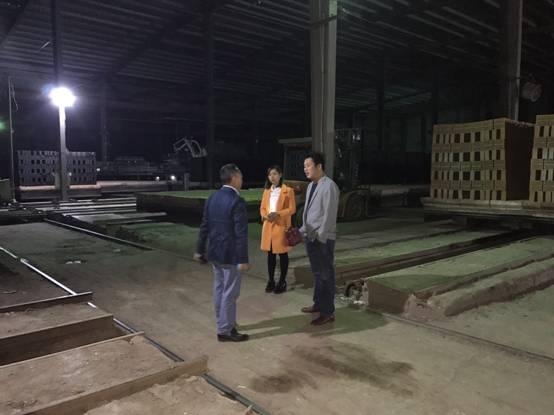 东亭乡:开展环保、安全夜查突击行动