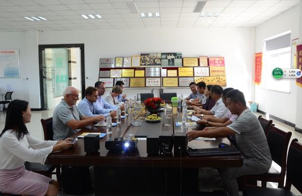南京大学、法国阿尔图瓦大学教授来我县参观交流