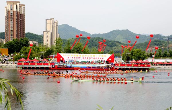 宁国:西津河上龙舟竞渡群英争冠
