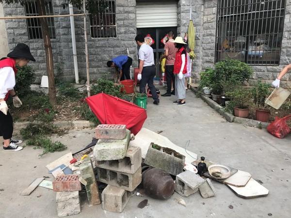 文明创建――东亭乡集贸市场整治