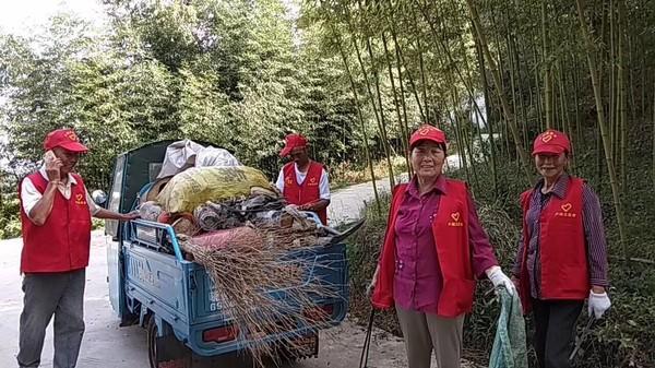 卢村乡:桃山村老年协会开展文明创建活动