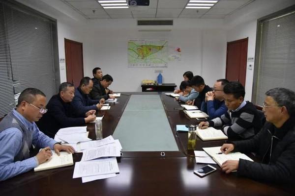 县住建局召开行政执法问题座谈会