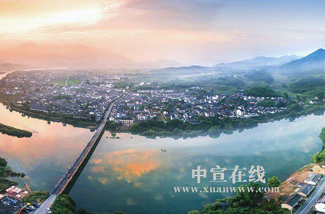 """泾县""""三乡工程"""":建设美好乡村新家园"""
