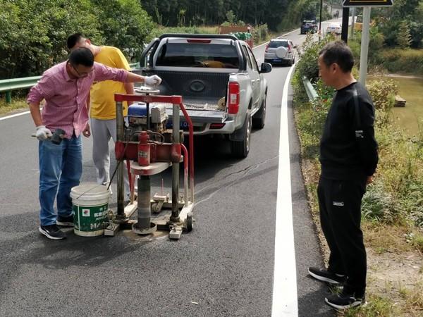 省交通运输厅来我市开展农村公路养护工程及危桥改造工程质量巡检