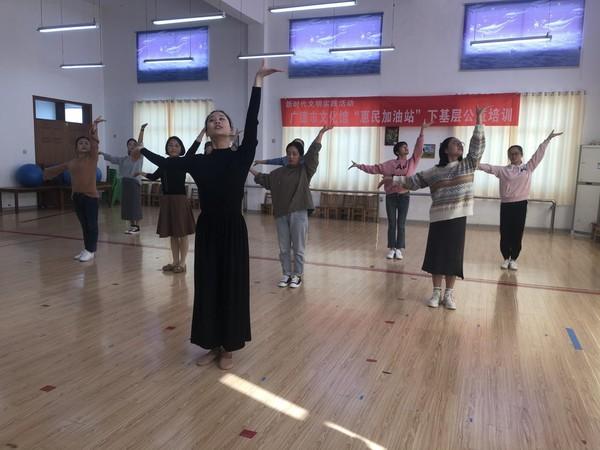 """广德市文化馆""""惠民加油站""""下基层公益培训走进邱村幼儿园"""