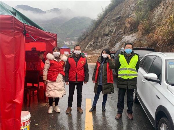 卢村乡:石峻村计生协抗疫在行动