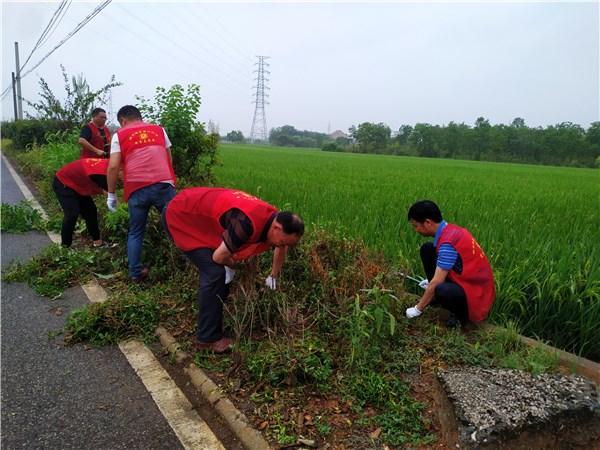 富家村社区:红色星期六,红马甲、小红帽创建进行时