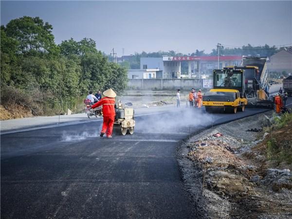 东亭乡:靓丽农村路  幸福不止步